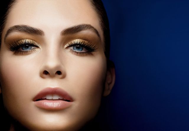 Glo Mineral Makeup Model
