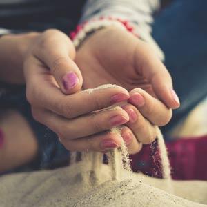 Fingernails in sand